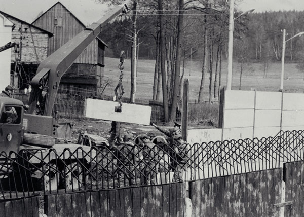 <p>Construction du Mur de Mödlareuth, 1966.<br>Photo: Bundesgrenzschutz Bayreuth<span>1/2</span></p>